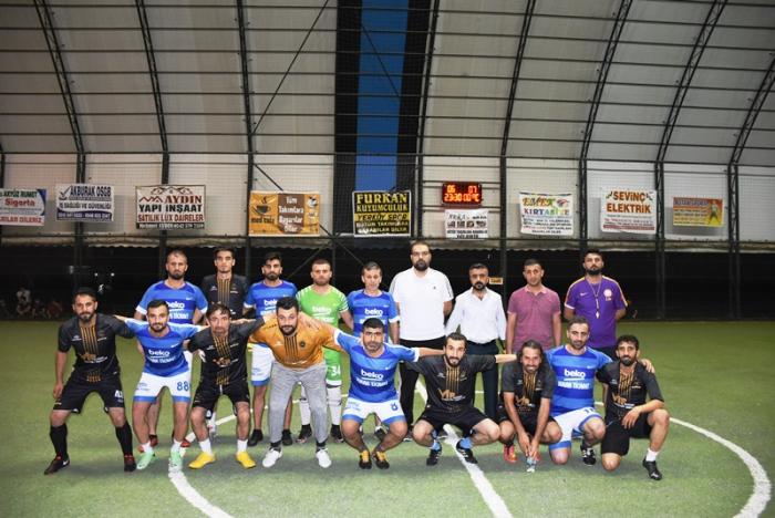 Nusaybin'de Ramazan ayı halı saha futbol turnuvası sona erdi