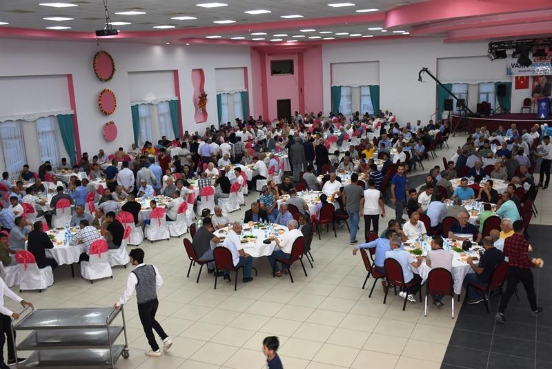 Ak Parti Adayı Yıldızoğlu iftar verdi