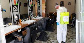Berber, kuaför ve güzellik salonlarında dezenfekte edildi