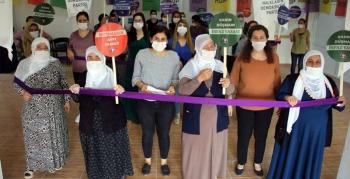 HDP'li Kadınlardan Nusaybin'de Mor Zincir