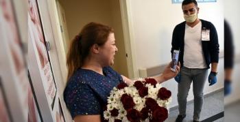 İstanbul'dan Nusaybin'e görevi başındaki hemşireye Anneler Günü sürprizi