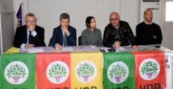 Avrupa'dan gelen parlamenterler Nusaybin'de açıklamalarda bulundu