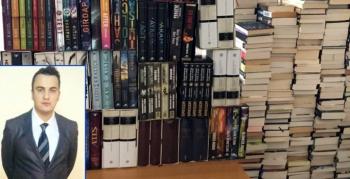 Bestseller olarak bilinen bin 500 kitabını Kütüphaneye bağışladı