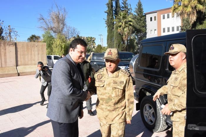 Jandarma Genel Komutanı Orgeneral Arif Çetin Nusaybin esnafını ziyaret etti