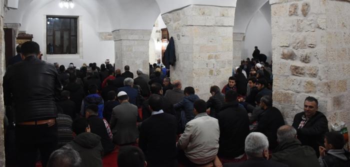 Nusaybin Zeynel Abidin Camiinde Beraat Kandili kutlandı