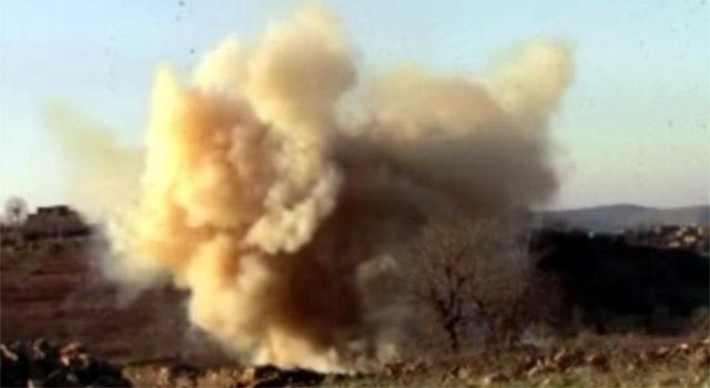 Yol kenarındaki taşlıkta tuzaklanmış bomba bulundu