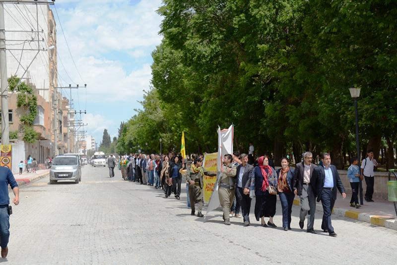 Nusaybin'de BDP'lilerden 'Hendek' tepkisi