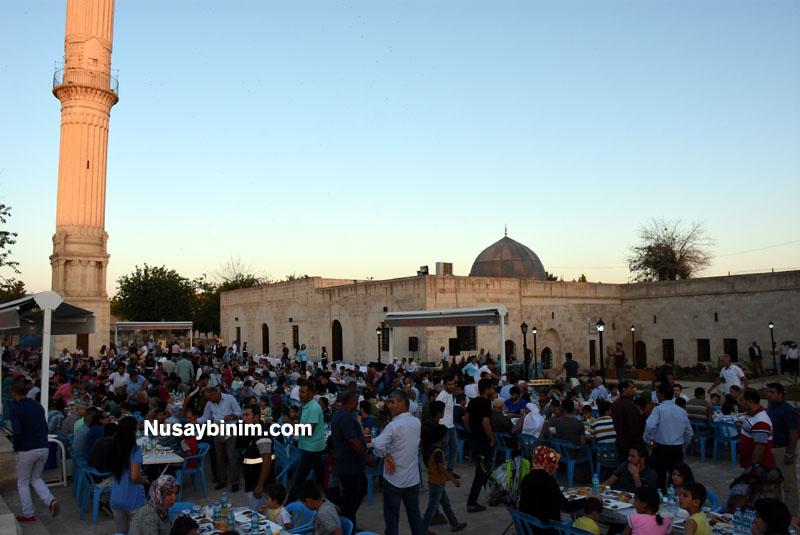 Tarihi Zeynel Abidin Camiinde iftar programı