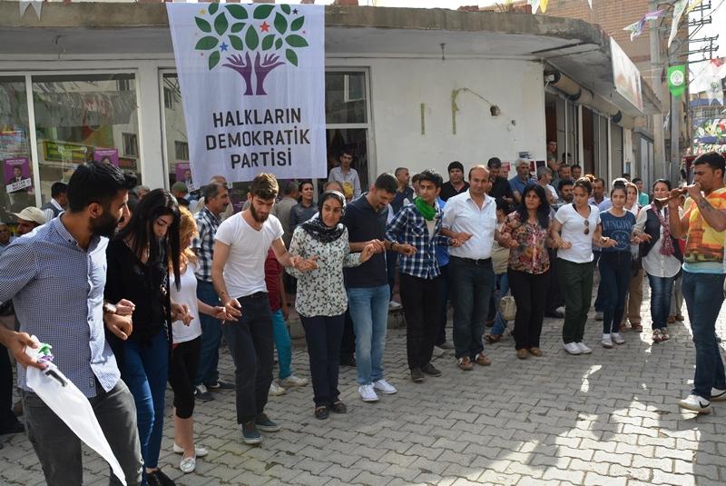 CHP ilçe başkanı ve Dalin Köylüleri HDP'ye geçti