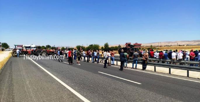 Uluslararası ipek yolu elektrik protestosunda bir saat trafiğe kapatıldı