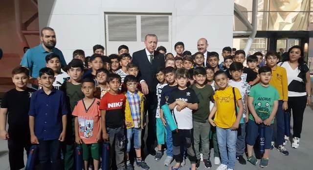 Nusaybinli çocuklar Cumhurbaşkanı Erdoğan ile bir araya geldi