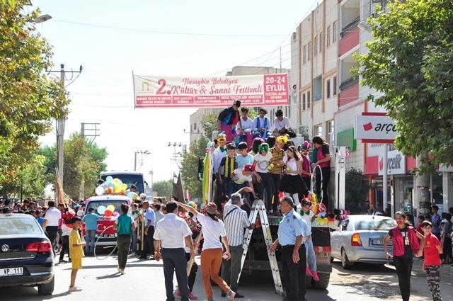 Nusaybin festival yürüyüşü yapıldı