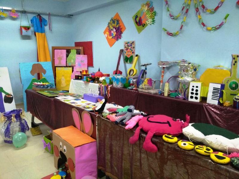 Girmeli Lisesinde Çocuk Gelişim ve Resim sergisi