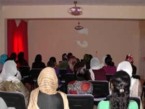 Gülşilav Kadınevi'nde film gösterimi