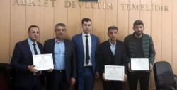 AK Parti Nusaybin Belediye Meclis Üyeleri mazbatalarını aldı