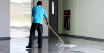 Eğitime başlayan okullarda temizlik görevlisi yok