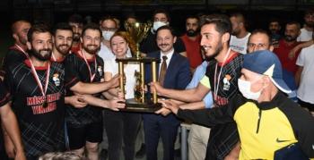 Halı Saha Futbol Turnuvasından Şampiyon Miss Halı Yıkama oldu