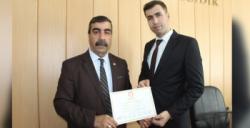 Nusaybin'de 7. kez seçilen Muhtar Mazbatasını aldı