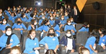Nusaybin'de öğrenciler Akif Filmini izledi