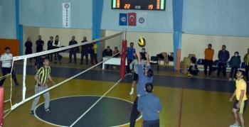 Nusaybin Eğitim Bir Sen Voleybol turnuvası başladı