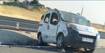 Nusaybin İpek Yolunda trafik kazası, 3 yaralı
