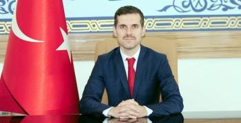Nusaybin Kaymakamı, tebrik çiçeği yerine İdlip'teki briket evlere bağış yapılmasını istedi