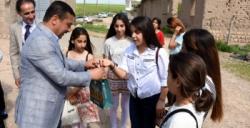 Nusaybin Milli Eğitim Müdüründen Süryani öğrencilere Paskalya ziyareti