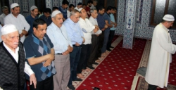 Nusaybinliler hatimle teravih geleneğini sürdürüyor