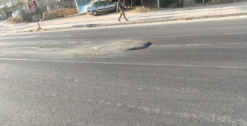 Nusaybin İpek yolunda yola dökülen beton tehlike saçıyor