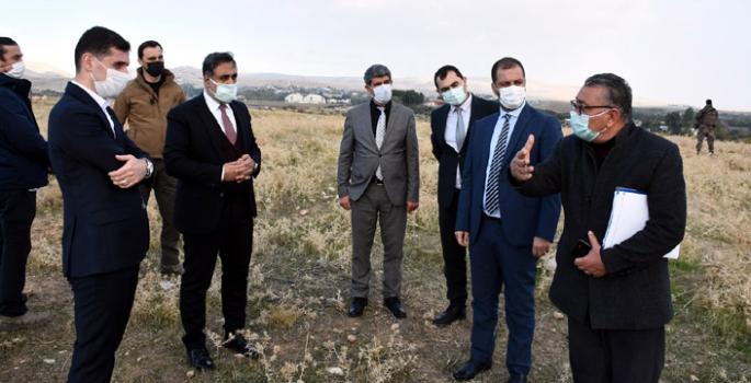 MAÜ Rektörü Özcoşar, Nusaybin MYO alanında incelemelerde bulundu