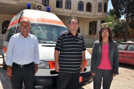 Almanya'da yaşayan Nusaybinli Belediyeye Ambulans hibe etti