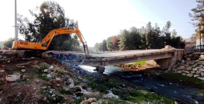 Nusaybin'de iki köprünün yapımına başlandı