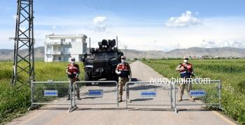 Nusaybin'de karantinaya alınan mahallelerin giriş çıkışları kapatıldı