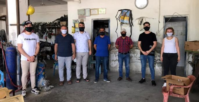 Nusaybin'de Sanayi ve Sebze Haline maske dağıtıldı