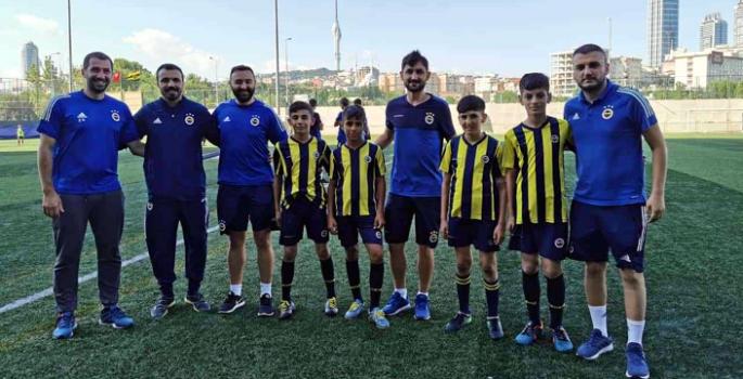 Nusaybin FB Okulu İstanbul seçmelerine katıldı