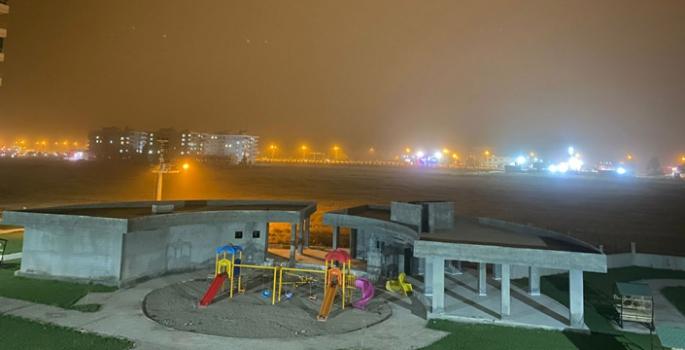 Nusaybin geceyi toz fırtınası etkisi altında geçirdi