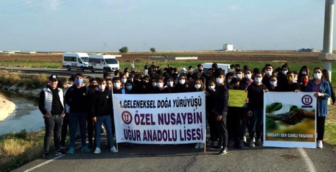Nusaybin Özel Uğur Anadolu Lisesi 1. Doğaya Saygı yürüyüşü düzenledi
