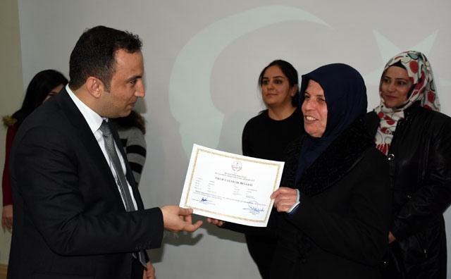 Nusaybin Halk Eğitim Merkezi okuma yazma kursu