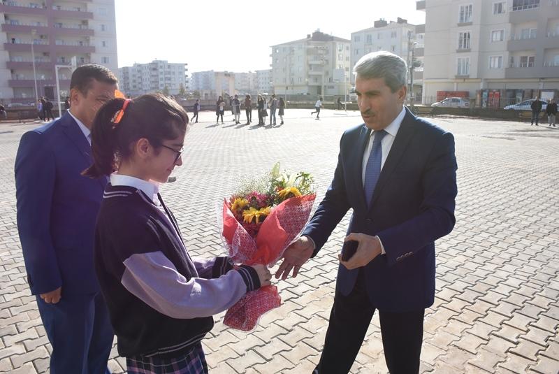 Türkiye Öğrenci Meclisi Nusaybin'e Kütüphane yaptı