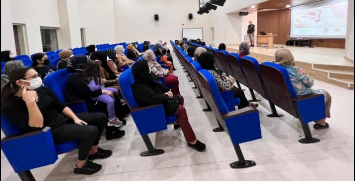 En İyi Narkotik Polisi Anne Projesi kapsamında Nusaybin'de okullarda seminer verildi