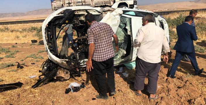 İpek yolunda takla atan otomobil sürücüsü ağır yaralandı