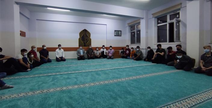 Milli Eğitim Müdürü Çetin, pansiyonda kalan öğrencilerle bir araya geldi