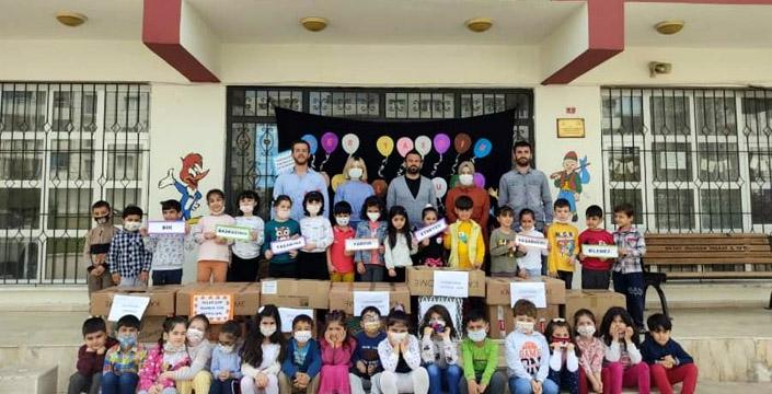 Minik öğrencilerden 'Yardım et, mutlu et' kampanyası