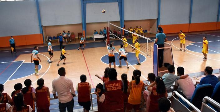Nusaybin İpekyolu ligdeki ilk maçına galibiyetle başladı