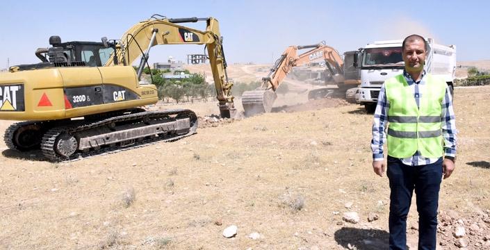 Nusaybin Meslek Yüksekokulu temeline ilk kazma vuruldu