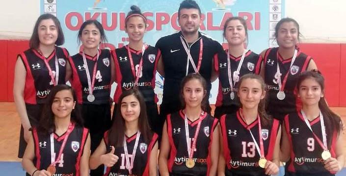 Nusaybinli Basketbolcular Bölge Şampiyonu oldu