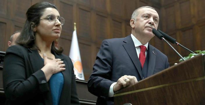 Nusaybinli şehit kızı Demir, AK Parti grup toplantısında ayakta alkışlandı