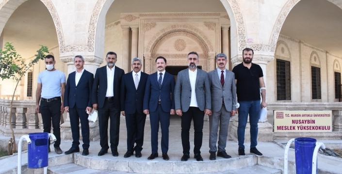 Rektör Özcoşar Nusaybin'i ziyaret etti
