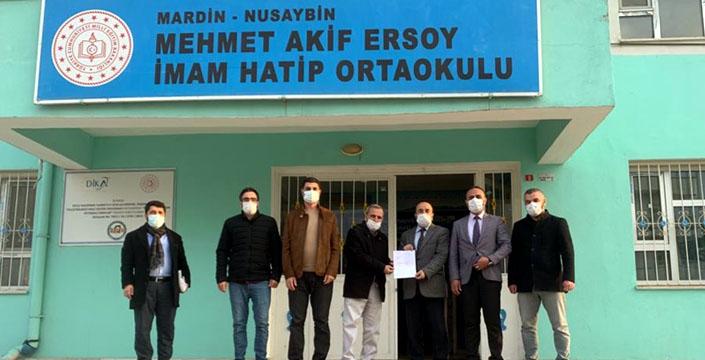 Suriyeliler için bir konut da Nusaybinli öğrenci ve öğretmenlerden